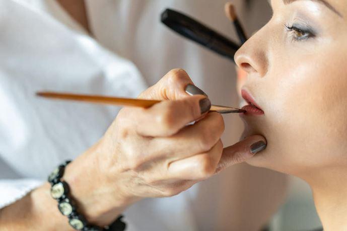 prestation-maquillage-mise-en-beauté-domicile-nantes-chrisitine